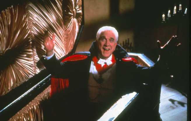 Dracula [Leslie Nielsen] 1