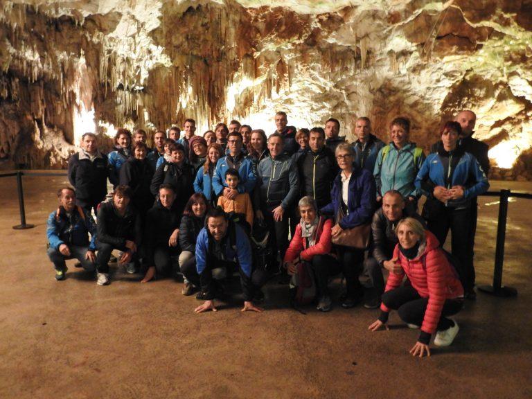 All'interno delle grotte di Postumia